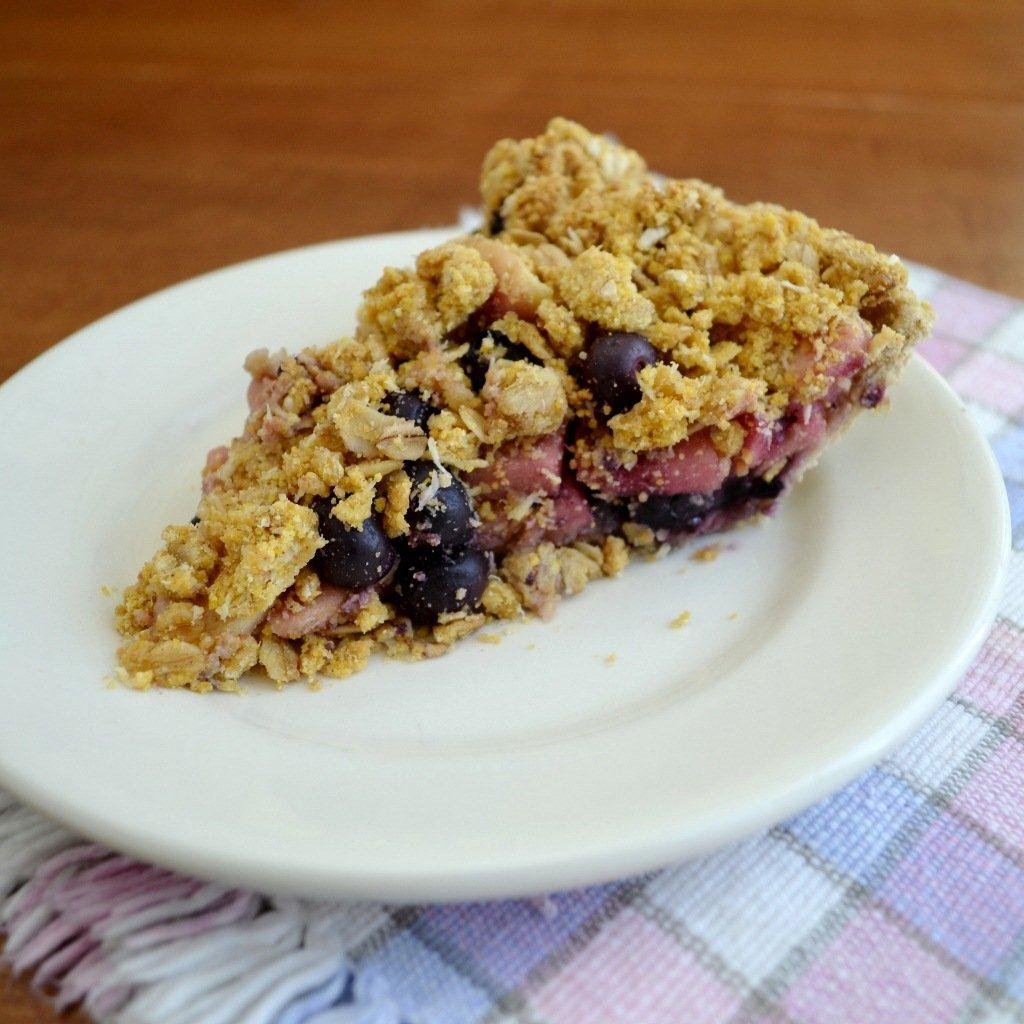 blueberry apple crumb pie 2 rfrd