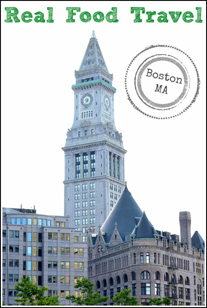 There are many opportunities to find locally-sourced, healthy food in Boston. The city is full of great restaurants and markets for locals and travelers to enjoy.
