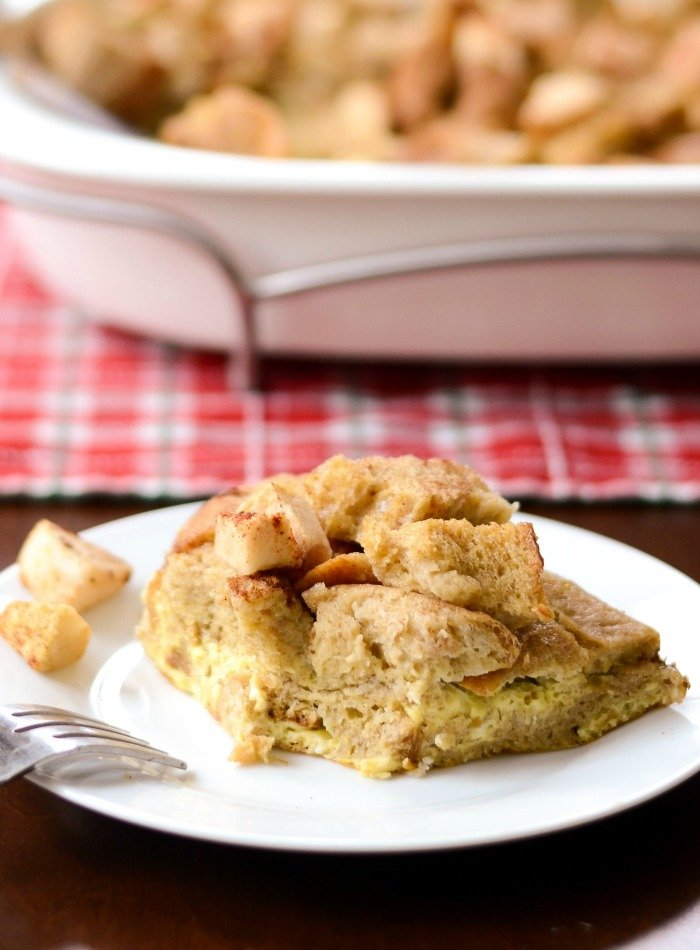 This Baked Apple French Toast Casserole is a delicious, healthy breakfast. You can put together the ingredients at night and bake it in the morning. Recipe from realfoodrealdeals.com