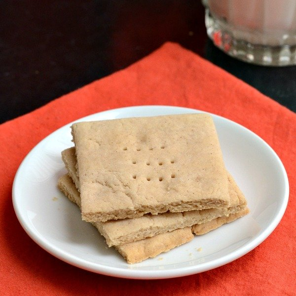 These homemade graham crackers are so good! Try this healthy recipe for a delicious snack without all the processed ingredients of the packaged version. Gluten-free, vegan.