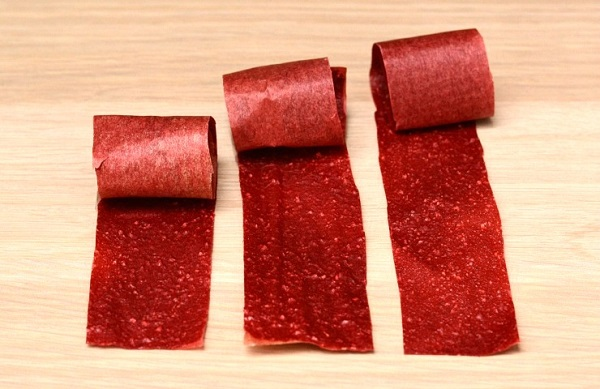 The homemade fruit roll ups recipe is perfect for when you have lots of fruit to preserve. Great easy snack recipe!