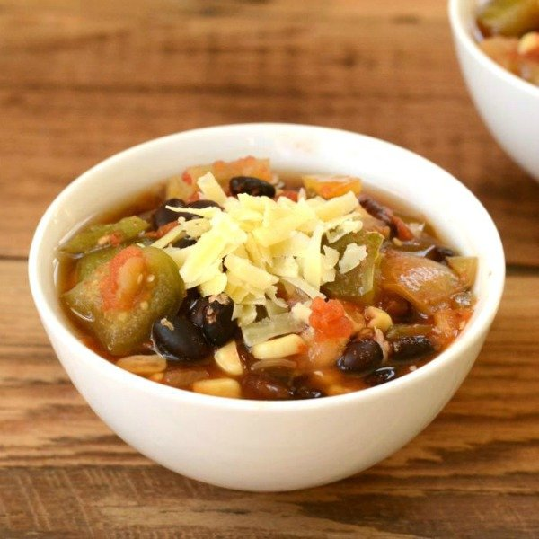 This crockpot chili is such an easy frugal meal!