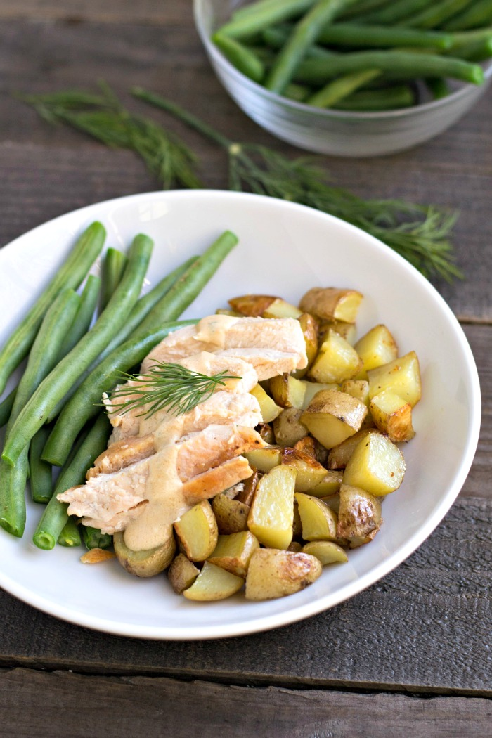 Hello Fresh healthy dinners make it easier to get a homemade meal on the table. Their meal kits are delivered to your door with a box of fresh ingredients and easy recipes that anyone can make.