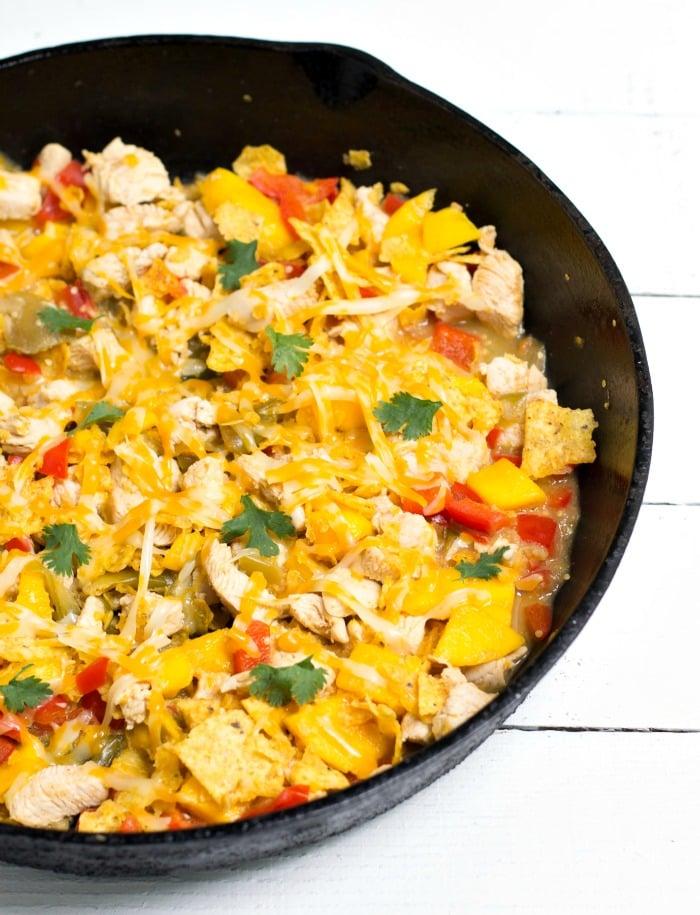 Mango chicken tortilla skillet - Such an easy, healthy family dinner recipe!